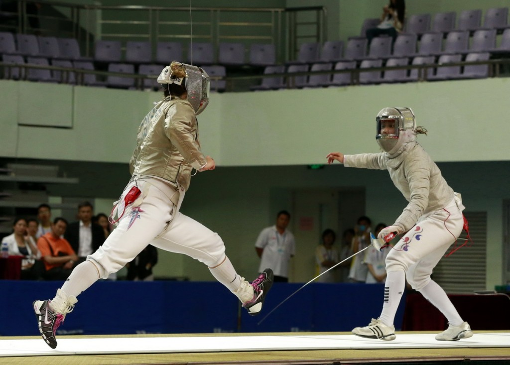 Zagunis (USA) v Kim J (KOR)-Semi-Tianjin 2013 Women's Sabre Grand Prix. Photo S.Timacheff