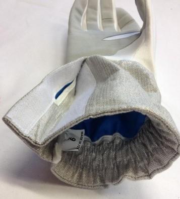 Safety Pleat in the Negrini FIE glove